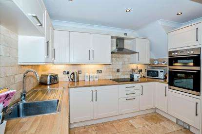 4 Bedrooms Semi Detached House for sale in Titchfield, Fareham, Hampshire