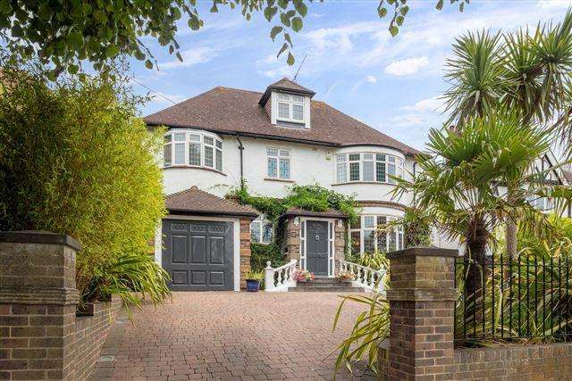 7 Bedrooms Detached House for sale in Shirley Drive, Hove