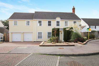 6 Bedrooms Detached House for sale in Bodmin, Cornwall, England