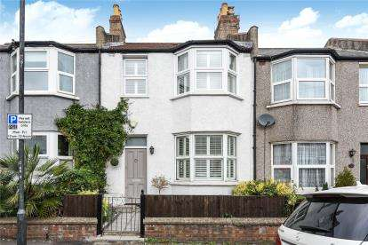 3 Bedrooms Terraced House for sale in Cottingham Road, London