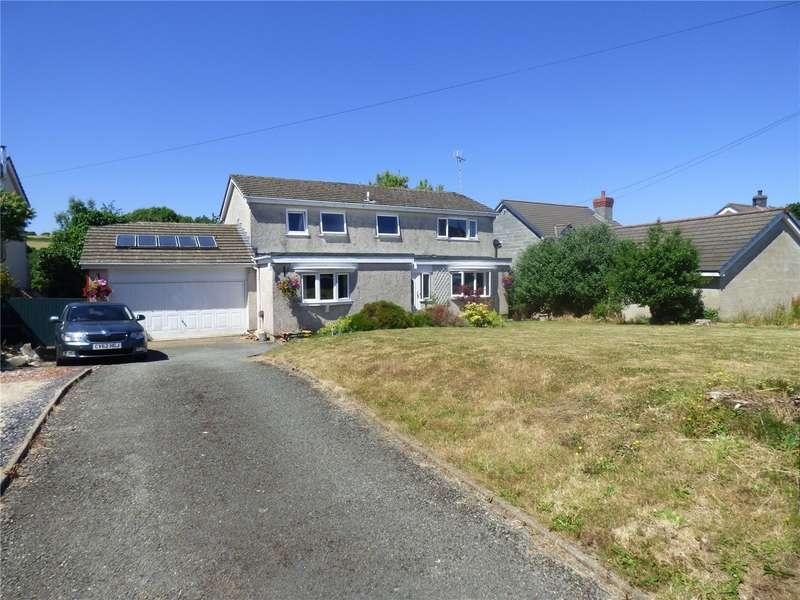 5 Bedrooms Detached House for sale in Wades Close, Holyland Road, Pembroke