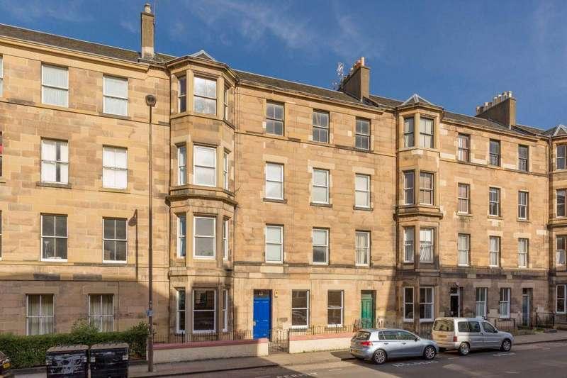 3 Bedrooms Ground Flat for sale in 13 Bernard Terrace, Edinburgh EH8 9NU