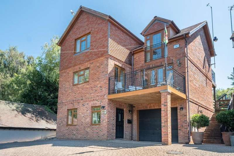 4 Bedrooms Detached House for sale in Seaview , Isle Of Wight