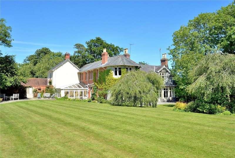 6 Bedrooms Detached House for sale in Milton on Stour, Gillingham, Dorset, SP8