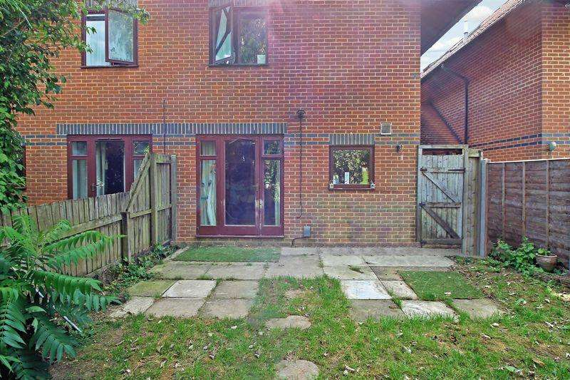 1 Bedroom House for sale in Aynscombe Close, Dunstable