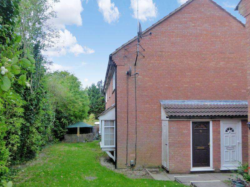 1 Bedroom House for sale in Bowmans Close, Dunstable
