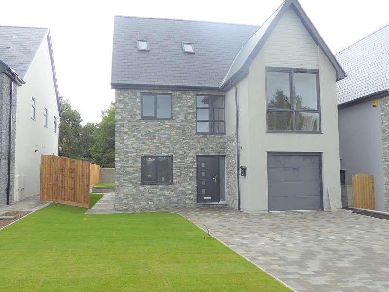5 Bedrooms Detached House for sale in Waterton Lane, Waterton, Bridgend. CF31 3YW