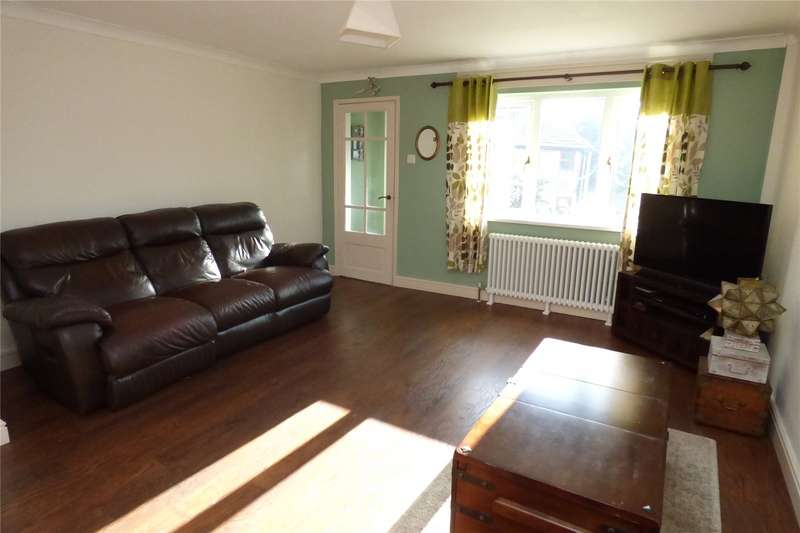 2 Bedrooms Semi Detached House for sale in Oakenclough Road, Bacup, Lancashire, OL13