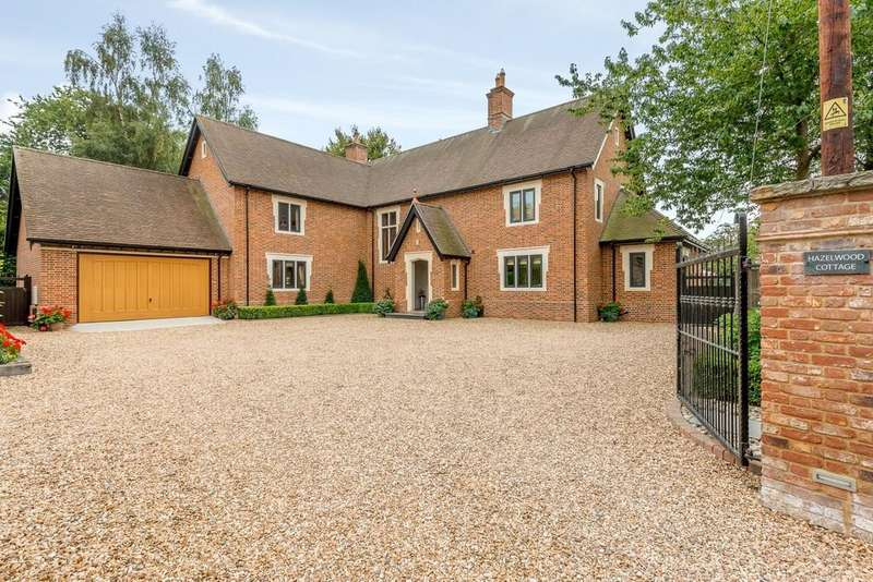 5 Bedrooms Detached House for sale in Hinton Martell