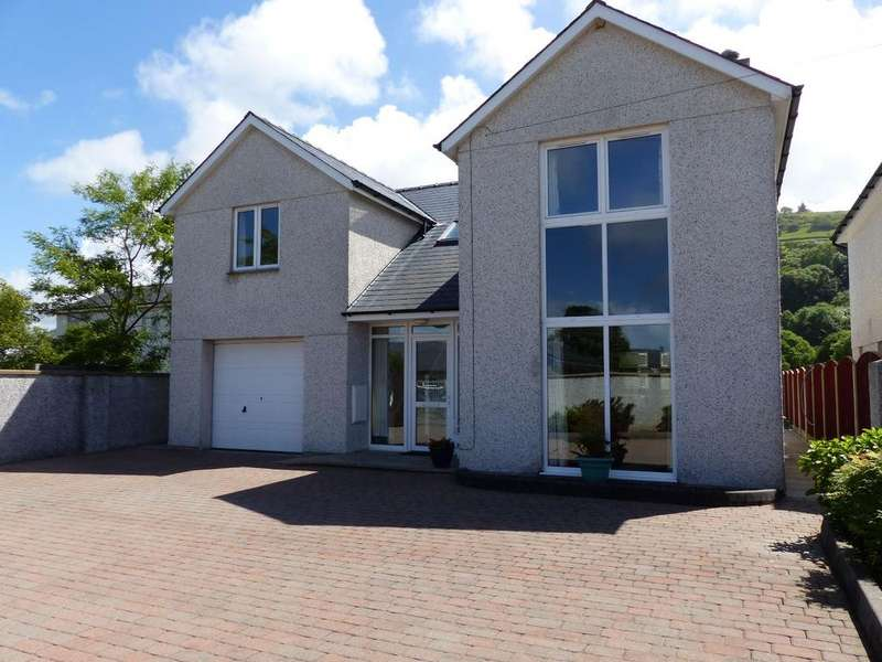 4 Bedrooms Detached House for sale in 1 Cae Main Harlech LL46 2UE