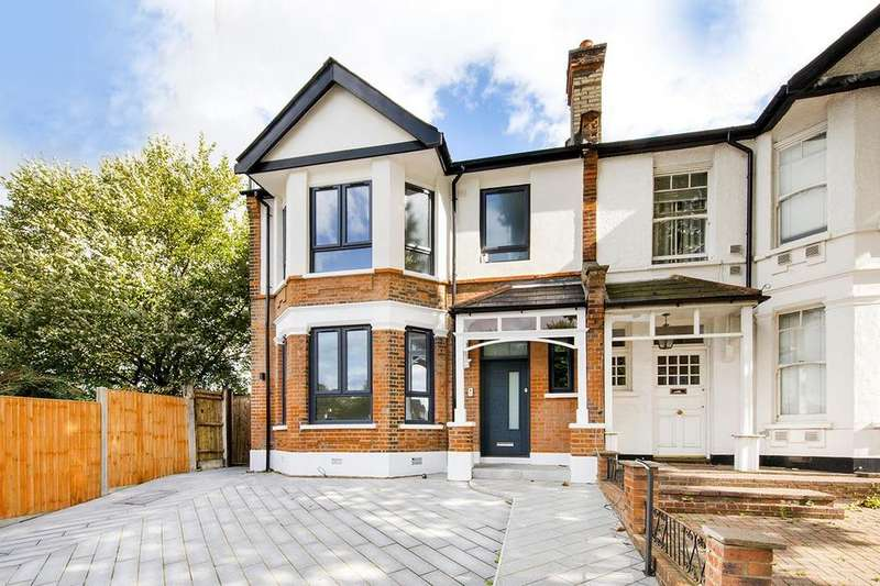 2 Bedrooms Flat for sale in High Road, N2