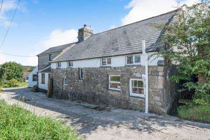 4 Bedrooms Equestrian Facility Character Property for sale in Burras, Wendron, Helston