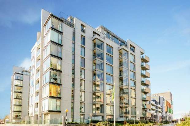2 Bedrooms Apartment Flat for sale in Merlin Heights, London, Greater London, N17 9GD