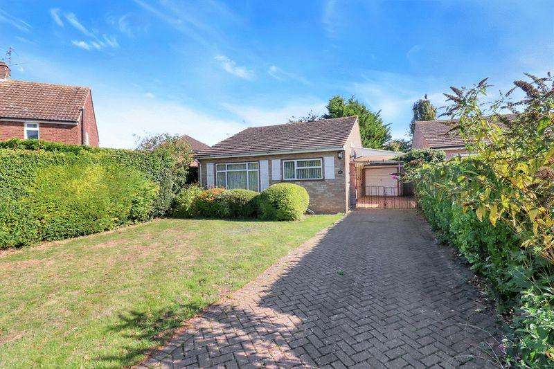 3 Bedrooms Bungalow for sale in Aston Clinton
