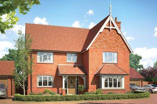 5 Bedrooms Detached House for sale in Horsham Road, Cranleigh, Surrey