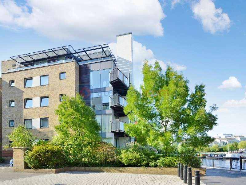 2 Bedrooms Flat for sale in Boardwalk Place, Blackwall Way E14