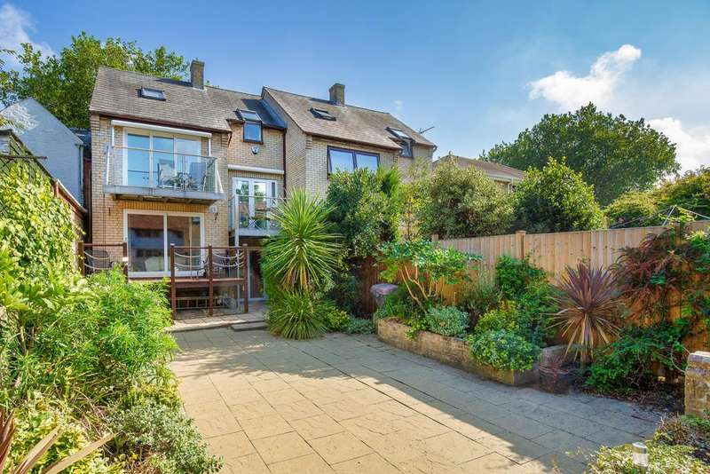 4 Bedrooms Semi Detached House for sale in Wellington Street, St. Ives