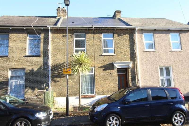 3 Bedrooms House for sale in Queens Road, London
