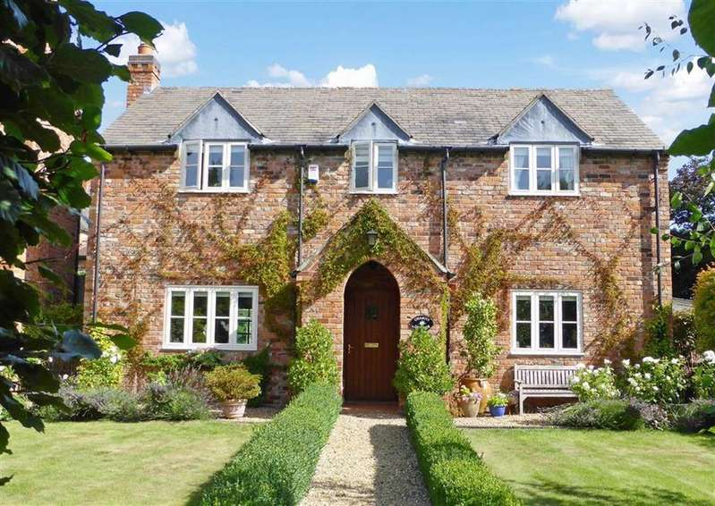 3 Bedrooms Detached House for sale in Main Street, Pickwell, Leicestershire