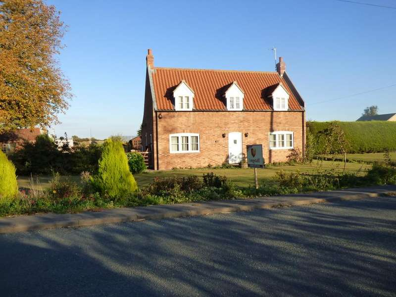 3 Bedrooms Detached House for sale in Quadring Road, Donington