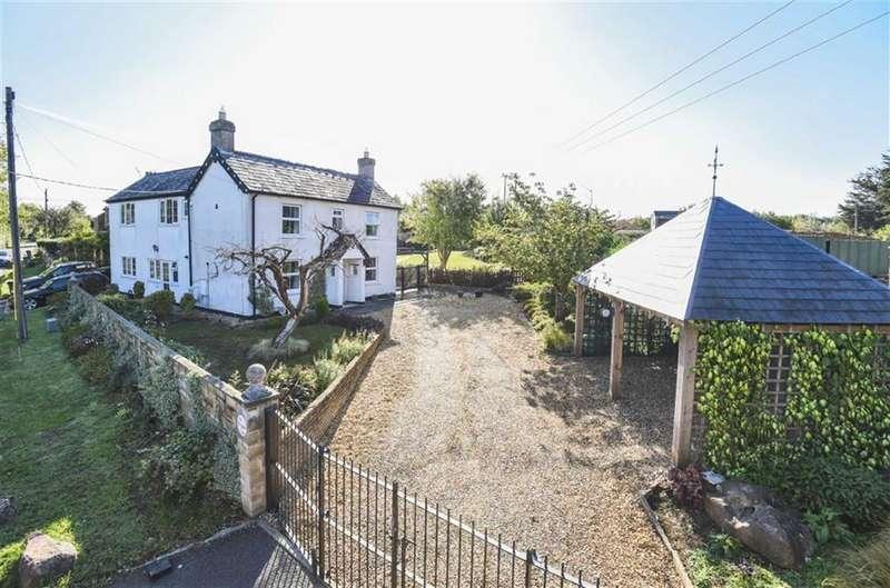 6 Bedrooms Detached House for sale in Kingsdown Lane, Blunsdon, Wiltshire