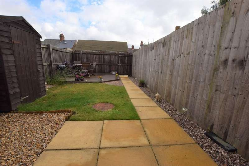 2 Bedrooms Semi Detached House for sale in Rossendale Road, Earl Shilton LE9