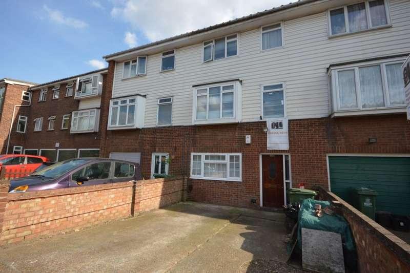 4 Bedrooms Property for sale in Kinder Close, London, SE28