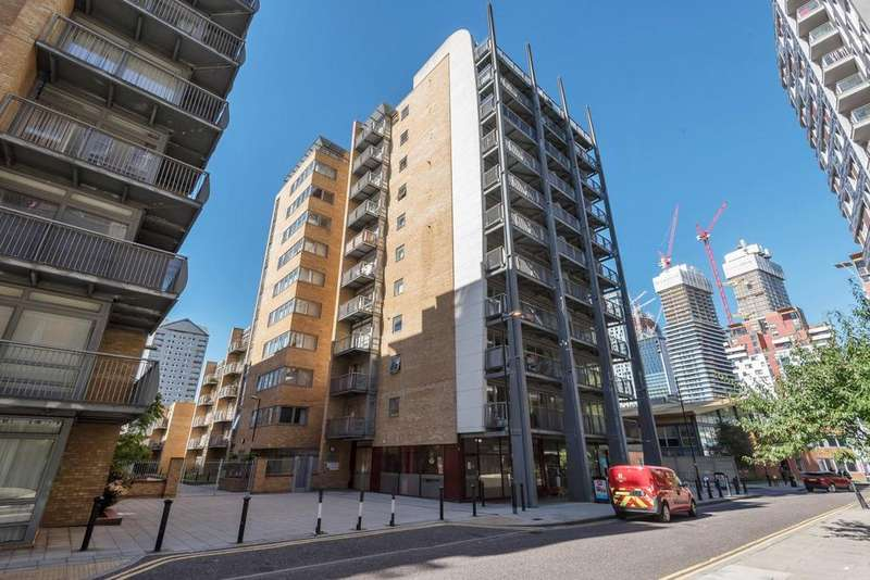 2 Bedrooms Flat for sale in Cassilis Road, Canary Wharf