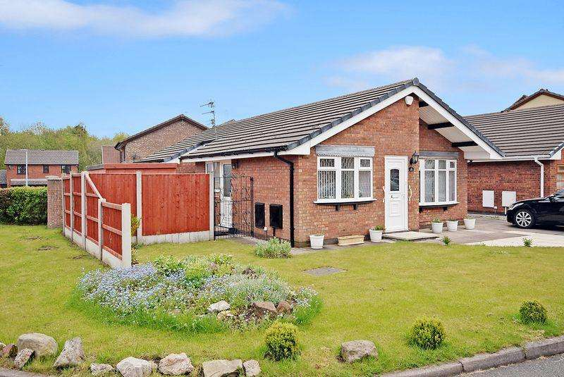 3 Bedrooms Detached Bungalow for sale in Ribble Close, Widnes