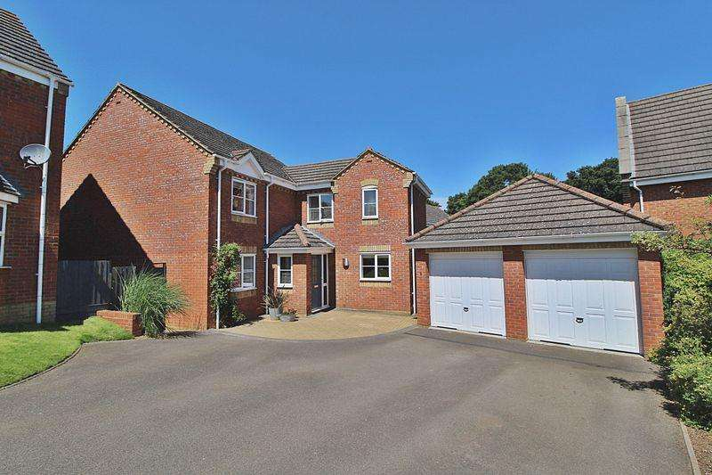 4 Bedrooms Detached House for sale in Garden Fields, Potton