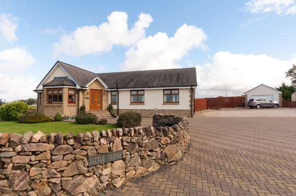 4 Bedrooms Detached House for sale in 1 Loganhill Road, Cumnock