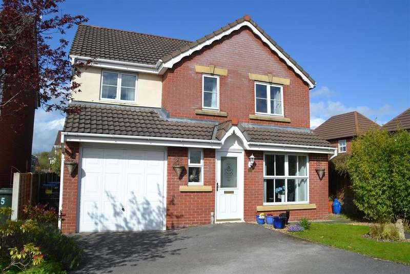4 Bedrooms Detached House for sale in Muirfield Close, Euxton, Chorley
