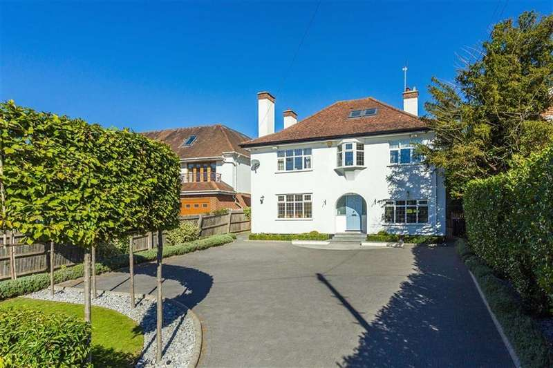 5 Bedrooms Detached House for sale in Georges Wood Road, Brookmans Park, Hertfordshire
