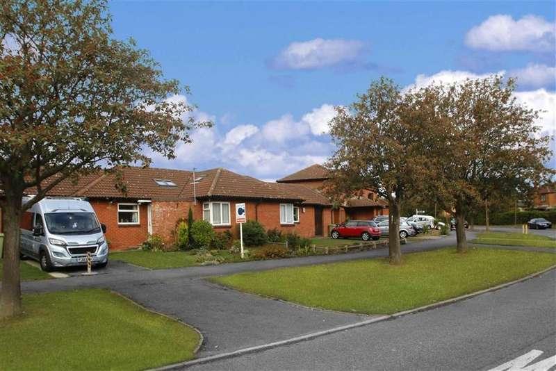 3 Bedrooms Semi Detached Bungalow for sale in St Stephens Drive, Bolbeck Park, Milton Keynes