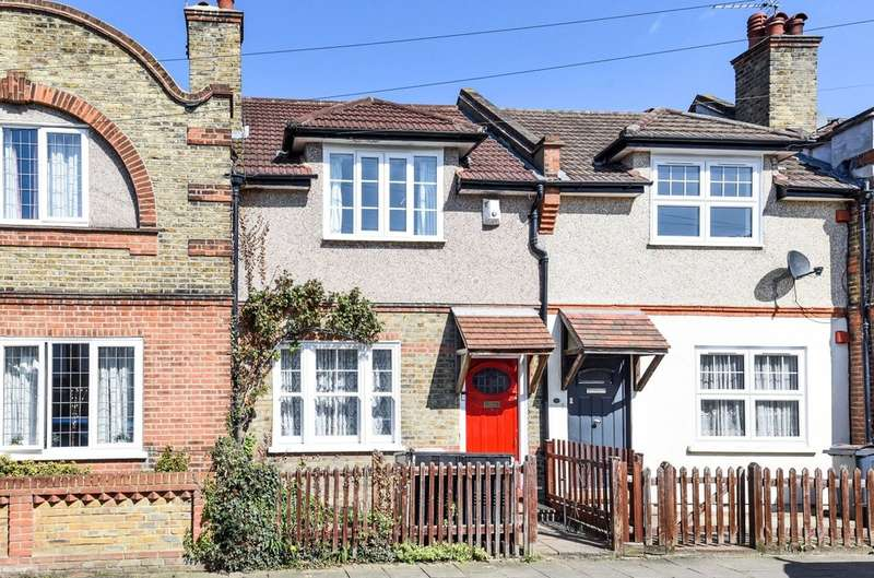 2 Bedrooms Terraced House for sale in Dorset Road, London