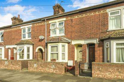 3 Bedrooms Terraced House for sale in Bridge Road, Bedford, Bedforshire, .