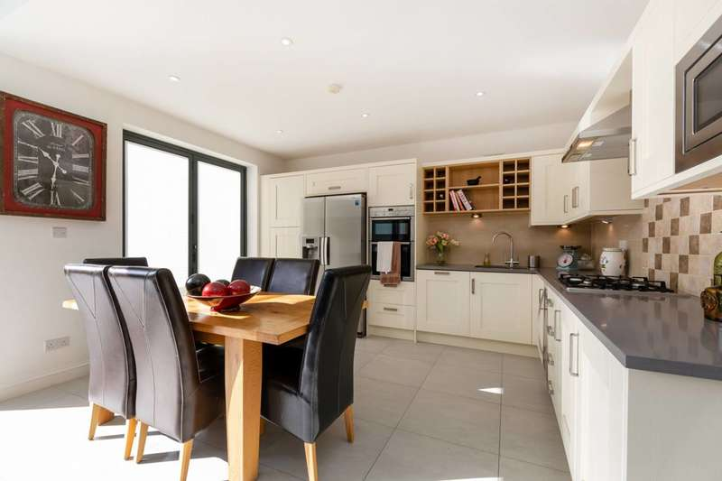 3 Bedrooms Flat for sale in Telford Avenue, Streatham Hill, SW2