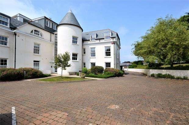 2 Bedrooms Flat for sale in Belvedere Court, Hillside Road, Sidmouth, Devon