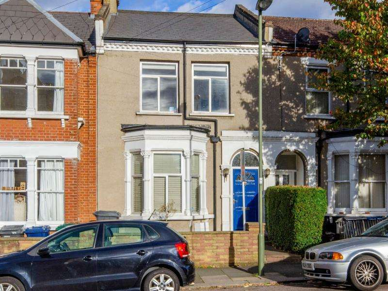 3 Bedrooms Terraced House for sale in Durham Road, N2