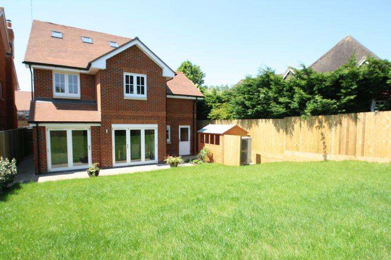 5 Bedrooms Detached House for sale in New Homes - Corhampton
