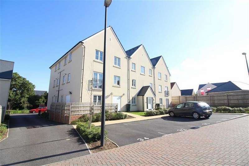 2 Bedrooms Flat for sale in Larch Close, Lyde Green, Bristol