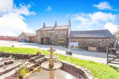 5 Bedrooms Detached House for sale in Burnley Road, Weir, Rossendale, Lancashire, OL13
