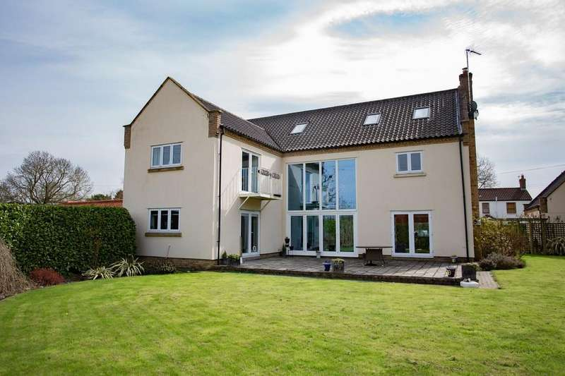 6 Bedrooms Detached House for sale in Mill Road, Mattishall