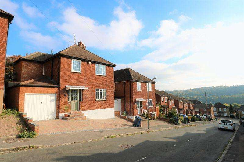3 Bedrooms Detached House for sale in Queen Street, High Wycombe