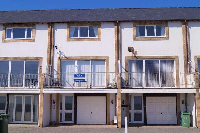 4 Bedrooms Terraced House for sale in Min Y Traeth, Pwllheli