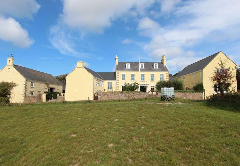 7 Bedrooms Detached House for sale in Trinity