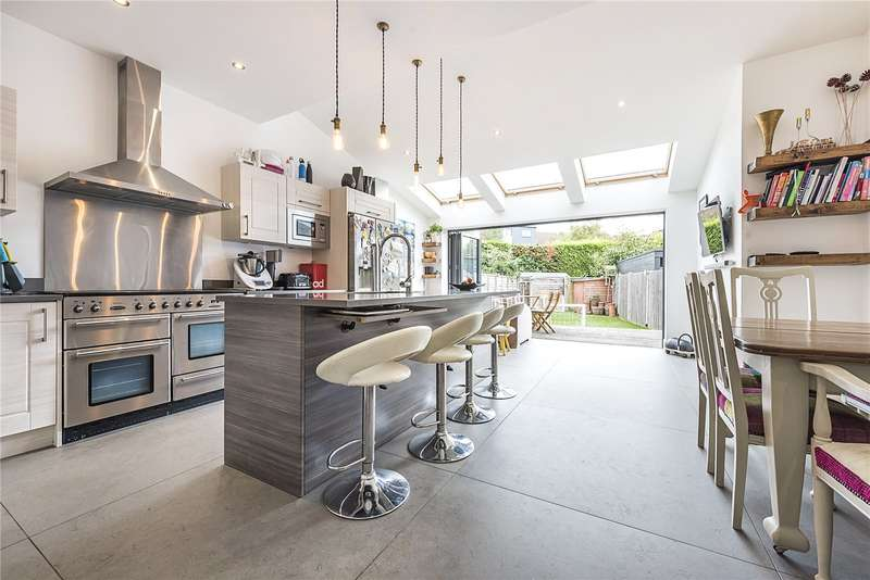 4 Bedrooms Semi Detached House for sale in St. Leonards Road, London, SW14