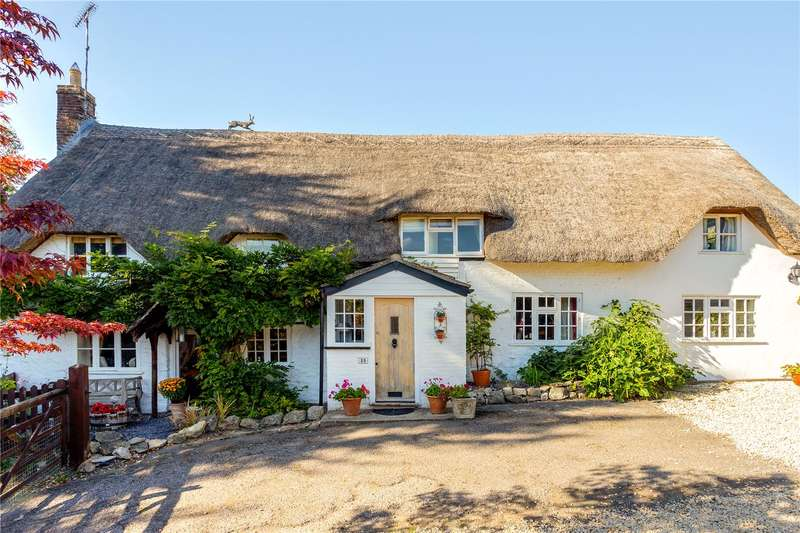 5 Bedrooms House for sale in High Street, Littleton Pannell, Devizes, Wiltshire, SN10