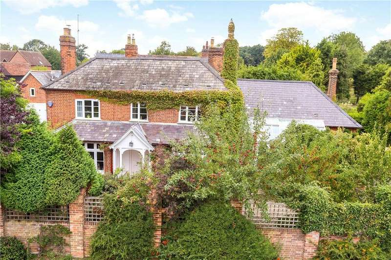 4 Bedrooms Detached House for sale in West End, Sherborne St. John, Basingstoke, Hampshire, RG24
