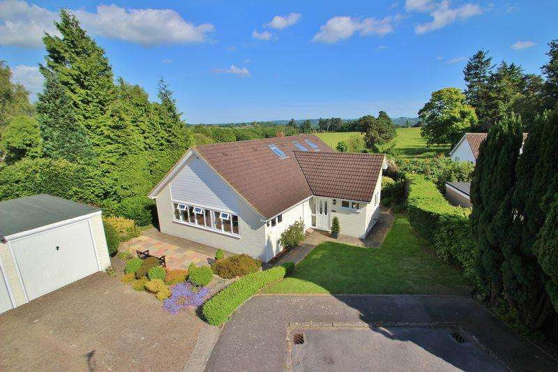 3 Bedrooms Detached House for sale in Loxfield Close, Mayfield